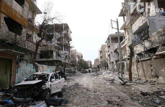 """Путін оголосив """"гуманітарну паузу"""" у Східній Гуті, яку за підтримки Росії бомбардують війська Асада"""