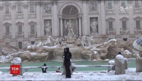 В Риме выпало аномальное количество снега