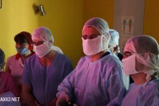 Во Львове хирурги впервые в Украине сформировали пищевод 1,5-месячному ребенку