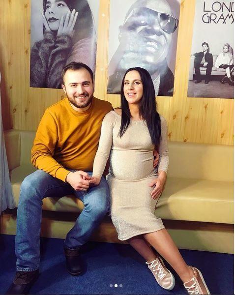 Вагітна Джамала з чоловіком_1