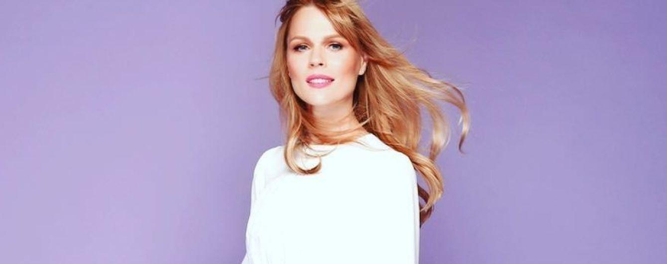 Оля Фреймут в белоснежном платье продемонстрировала нежный образ
