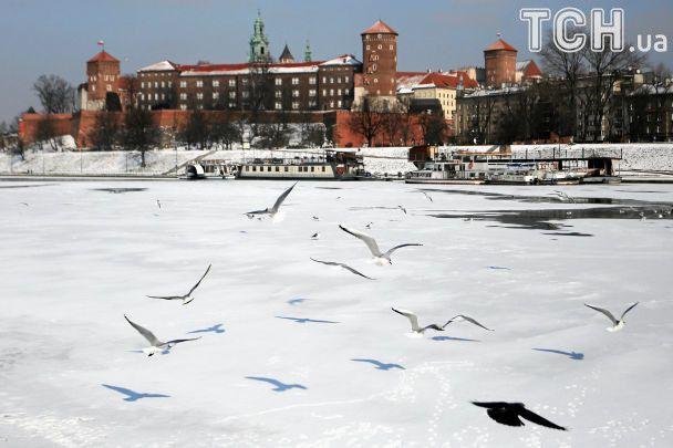 """Больше 20 градусов мороза в Польше, десять погибших в Британии. В Европе бушует """"Эмма"""""""