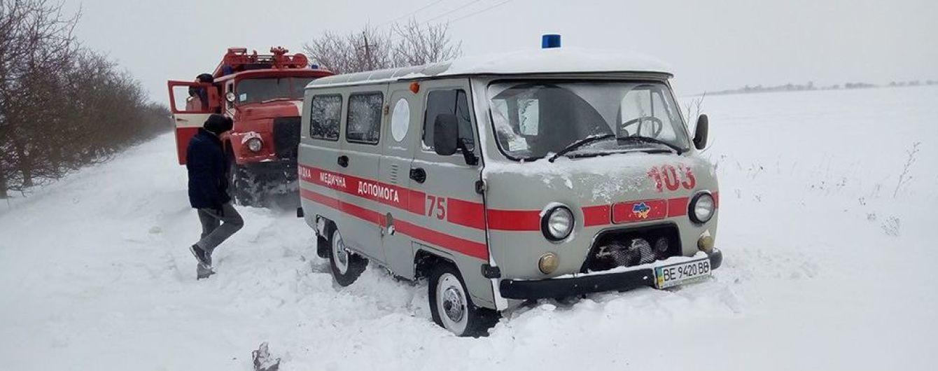 Без воды, света, дорог и в сугробах снега. Как Украина оправляется от последствий мощной непогоды