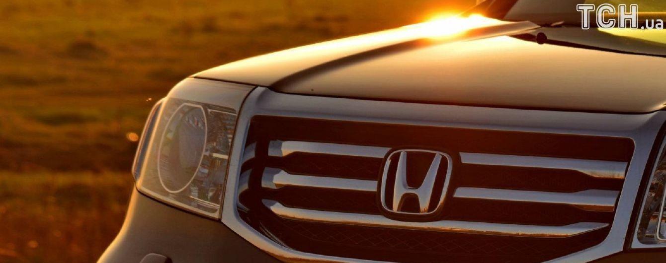 Honda возвращает на завод около трехсот тысяч автомобилей