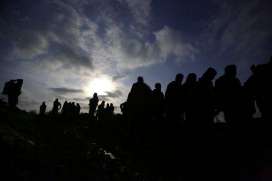 У Сирії цивільні масово залишають район бойових дій: війська Асада звинувачують у сексуальних злочинах