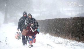 Київ знову замете снігом. Як вберегтися від травм під час ожеледиці
