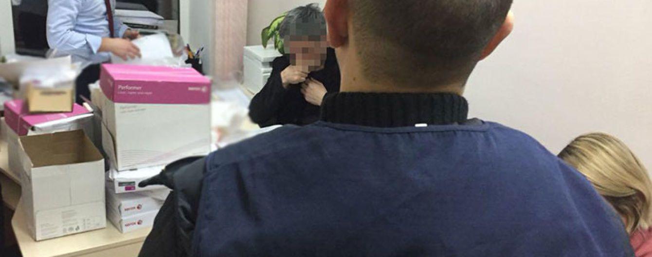 """В Киеве проректор вуза """"погорел"""" на взятке в 3 тысячи долларов"""