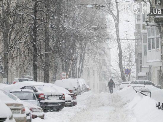 Останній циклон: зима в Україні завершиться завірюхами в Одесі, Дніпрі та Харкові