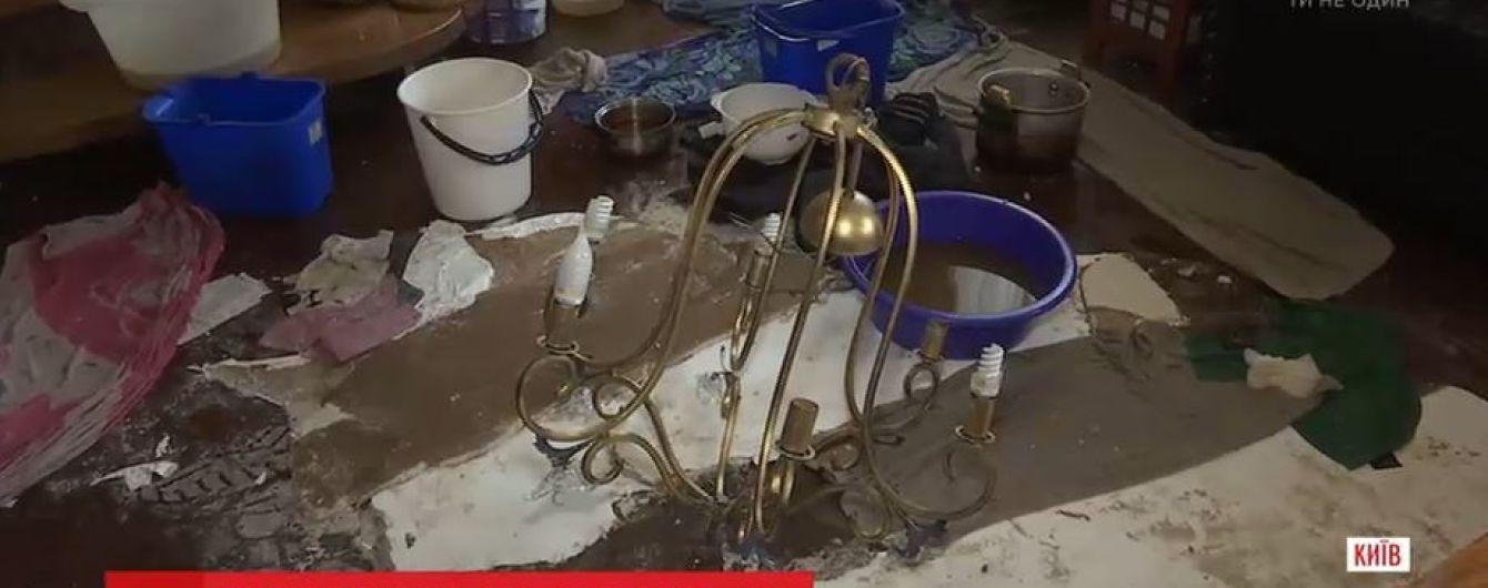 Квартиру известного писателя в результате коммунальной аварии залило горячей водой