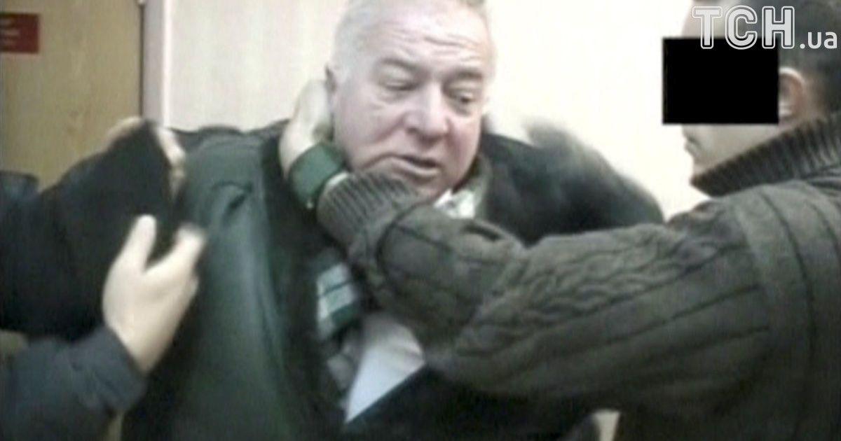 Колишній та чинні британські високопосадовці закликали ввести санкції проти  Росії через отруєння колишнього російського розвідника Сергія Скрипаля.  Зокрема f43bdda72f711