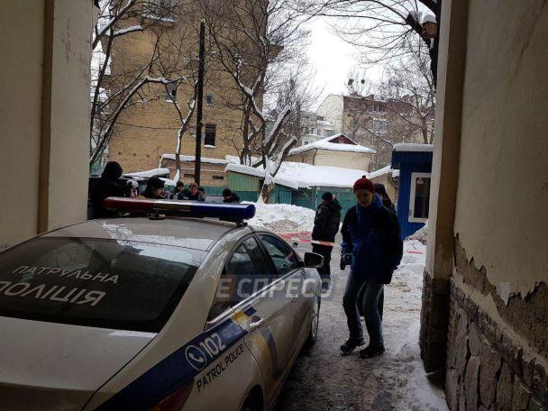 В правительственном квартале Киева зарезали мужчину