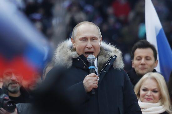 """""""Нема чого коментувати"""". У Кремлі відреагували на звинувачення щодо дисертації Путіна"""