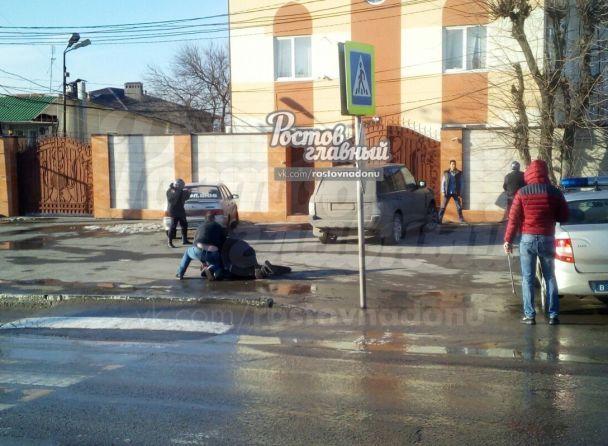 В России мужчина напал с ножом на прохожих
