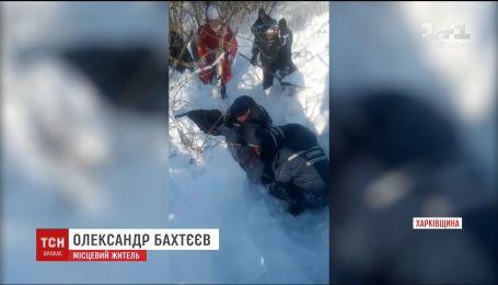 На Харьковщине 12-летняя девочка провела больше часа под тоннами снега