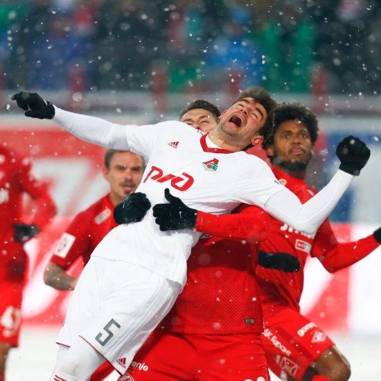 Матч між лідерами чемпіонату Росії зіграли м'ячем, який протягом гри не помітили навіть коментатори