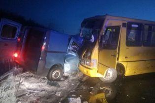 На Полтавщине произошла авария с рейсовым автобусом: есть погибший и травмированные