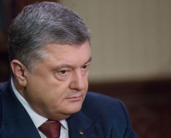 """""""Провокація"""" та """"виборчий фарс"""": Порошенко різко відреагував на візит Путіна до Криму"""