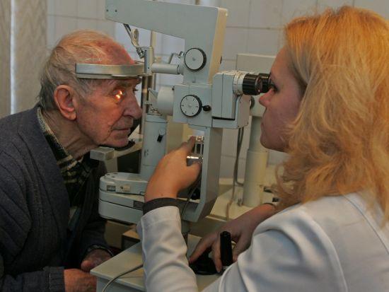 У Києві протягом тижня безкоштовно перевірятимуть зір. Адреси медзакладів
