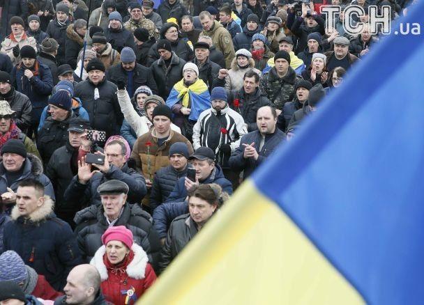 Кордоны правоохранителей, перекрытые улицы и первые провокации. Как в Киеве чтят Шевченко