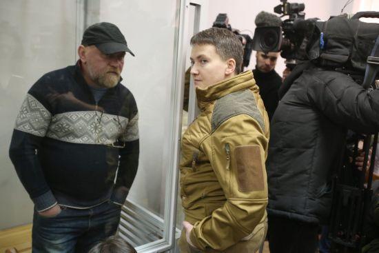 СБУ викликала на допит Надію Савченко. Депутат поїхала з країни