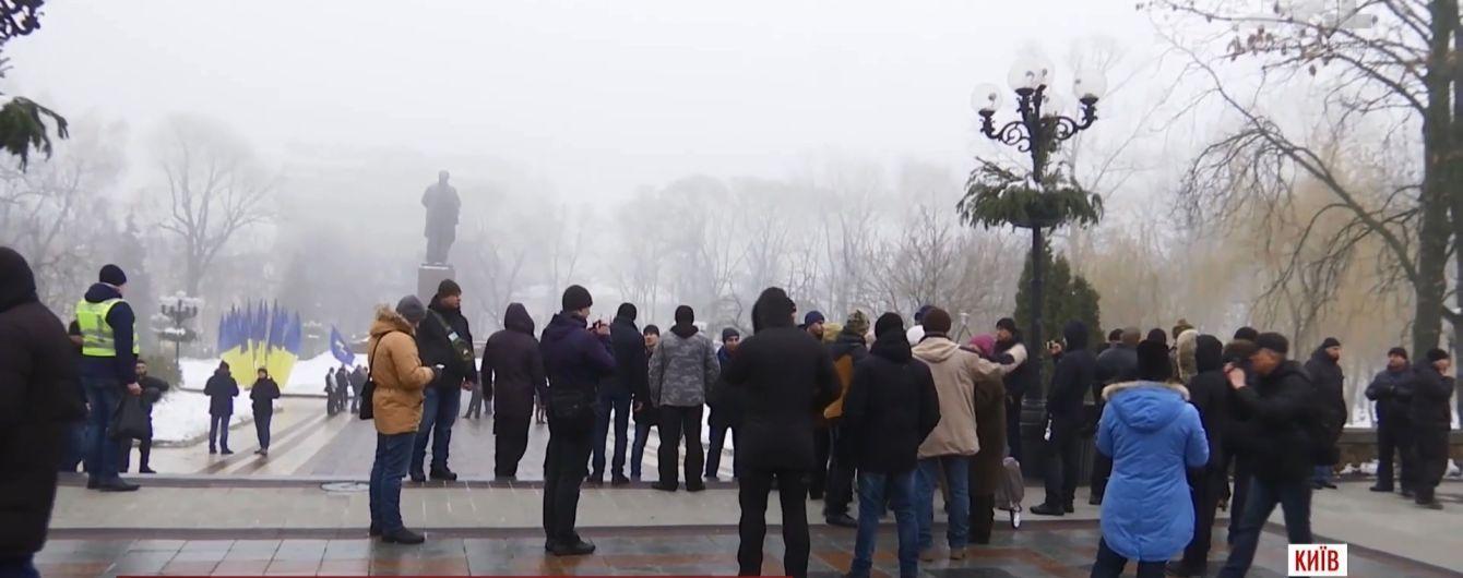 День Кобзаря минув у Києві зі сварками, молитвами і безкоштовним проїздом