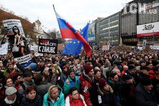 Словаки вышли на акции протеста: требуют отставки главы полиции и выборов