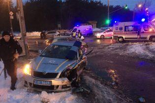 Навмисно таранили авто: у Києві та Рівному зловмисники одночасно травмували п'ятьох поліцейських