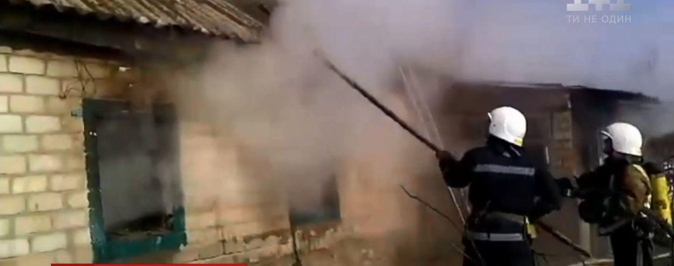 У пожежі в сільській хаті на Кіровоградщині загинули троє дітей