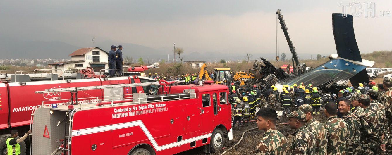 Авиакатастрофа в Непале: перевозчик обвинил диспетчеров, те возложили вину на пилотов