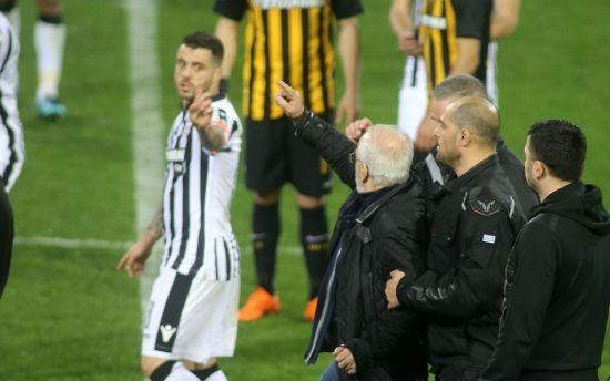 Чемпіонат Греції з футболу призупинили після скандального інциденту з російським власником ПАОКа