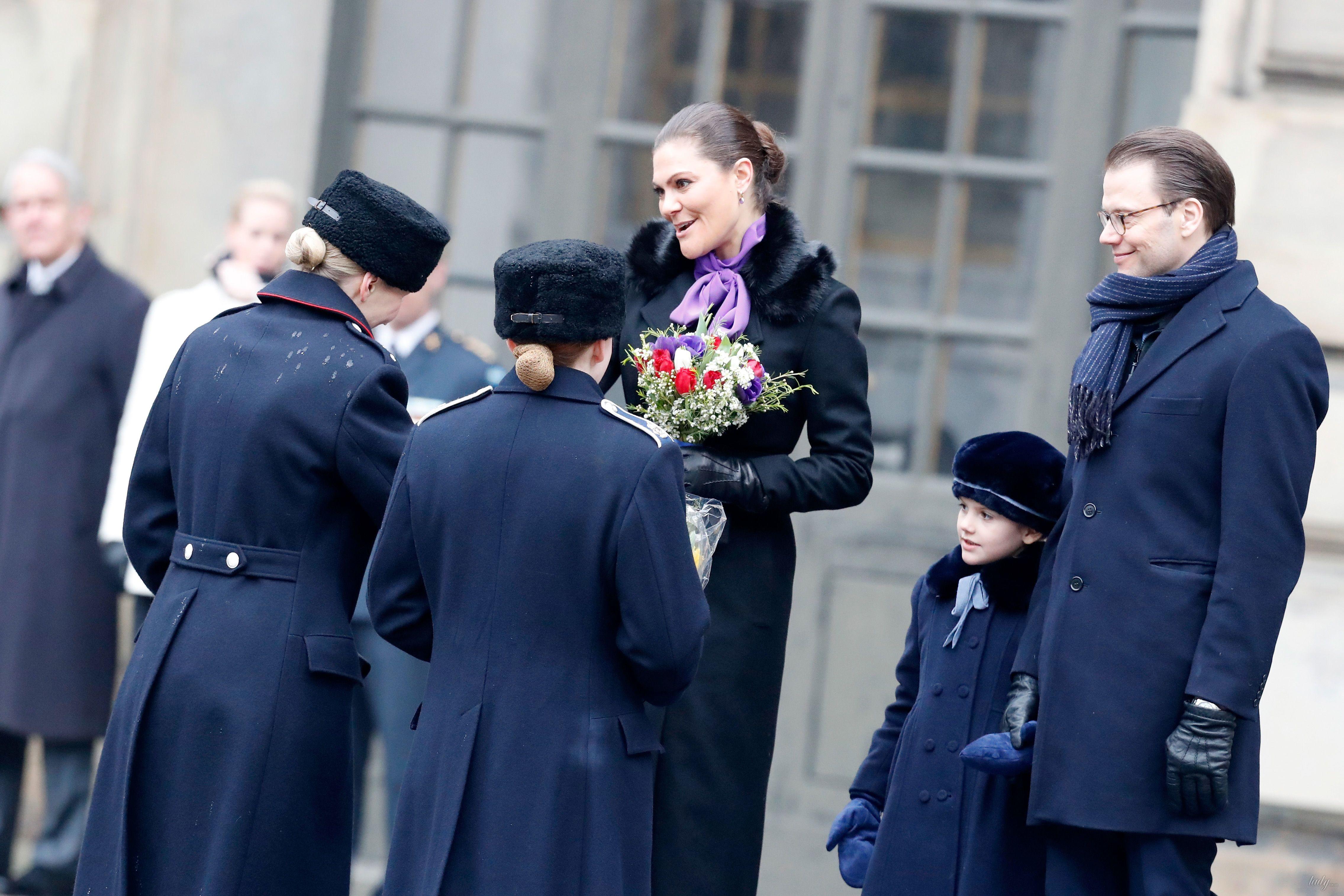 Кронпринцесса Виктория с мужем и дочкой_2