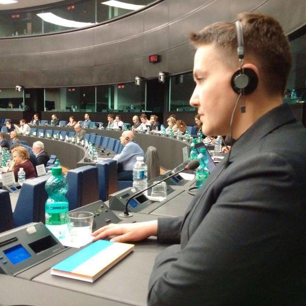 На допрос не придет. Пресс-служба Надежды Савченко обнародовала ее фото в Страсбурге