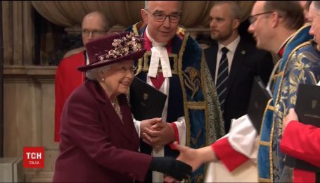 Елизавета II признала невесту принца Гарри членом королевской семьи