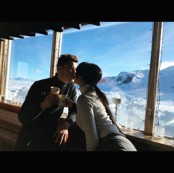 Роналду і Джорджина відпочинок_3, Роналду і Джорджина поцілунок