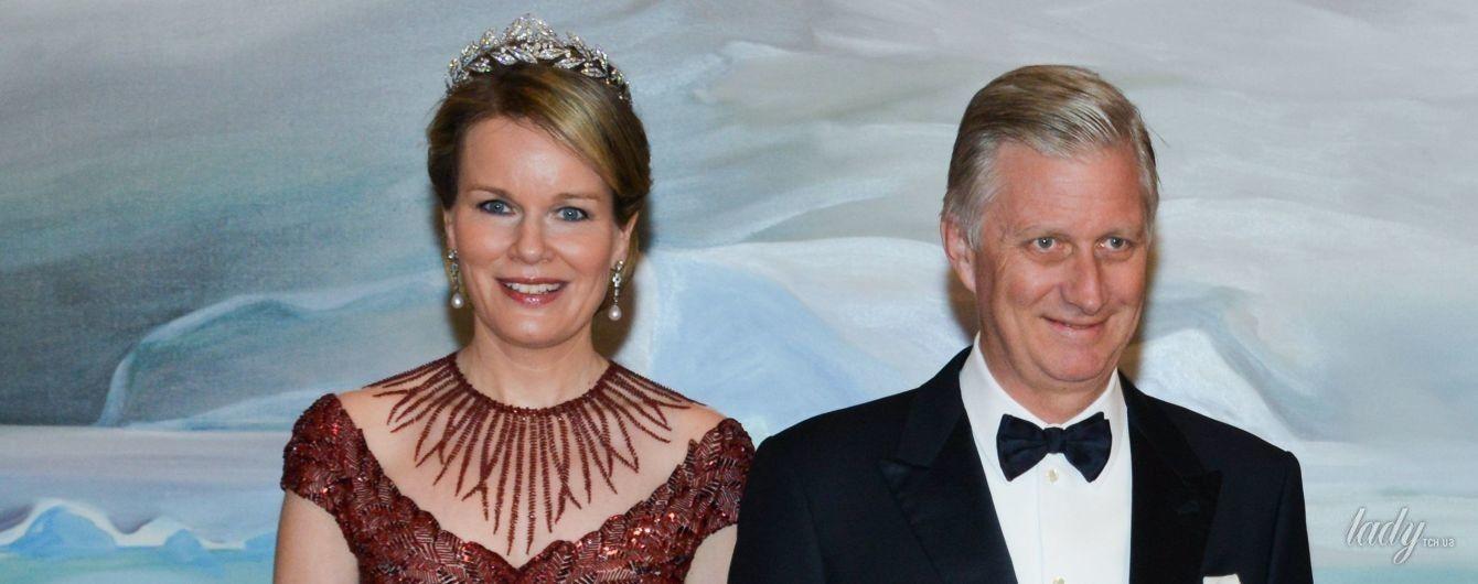 Выглядит роскошно: королева Матильда в элегантном образе пришла на торжественный ужин