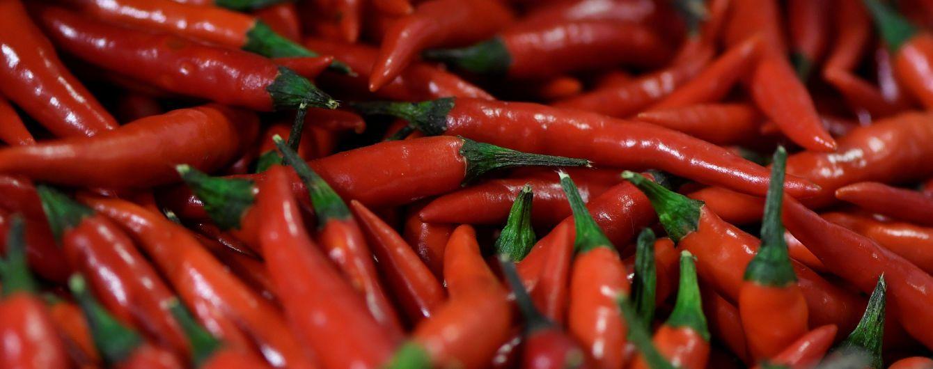 Американец съел самый острый в мире перец и чуть не умер