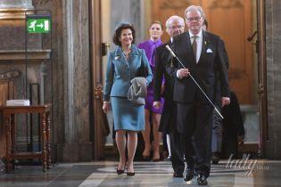 Стильная королева Сильвия и не только: члены шведской королевской семьи на праздничной службе