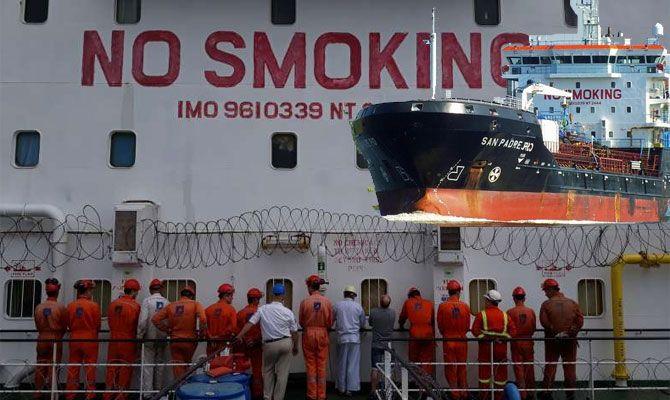 затриманий у Нігерії корабель з українцями_2