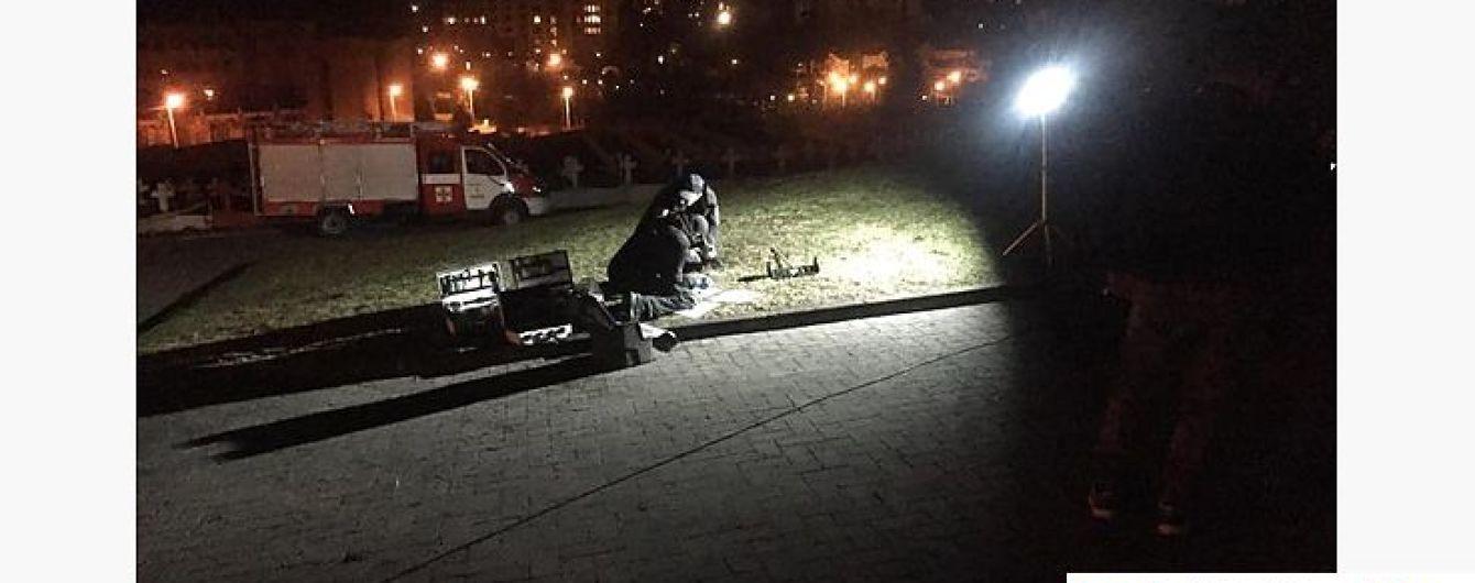 У Львові біля поховання львівських орлят пролунав вибух