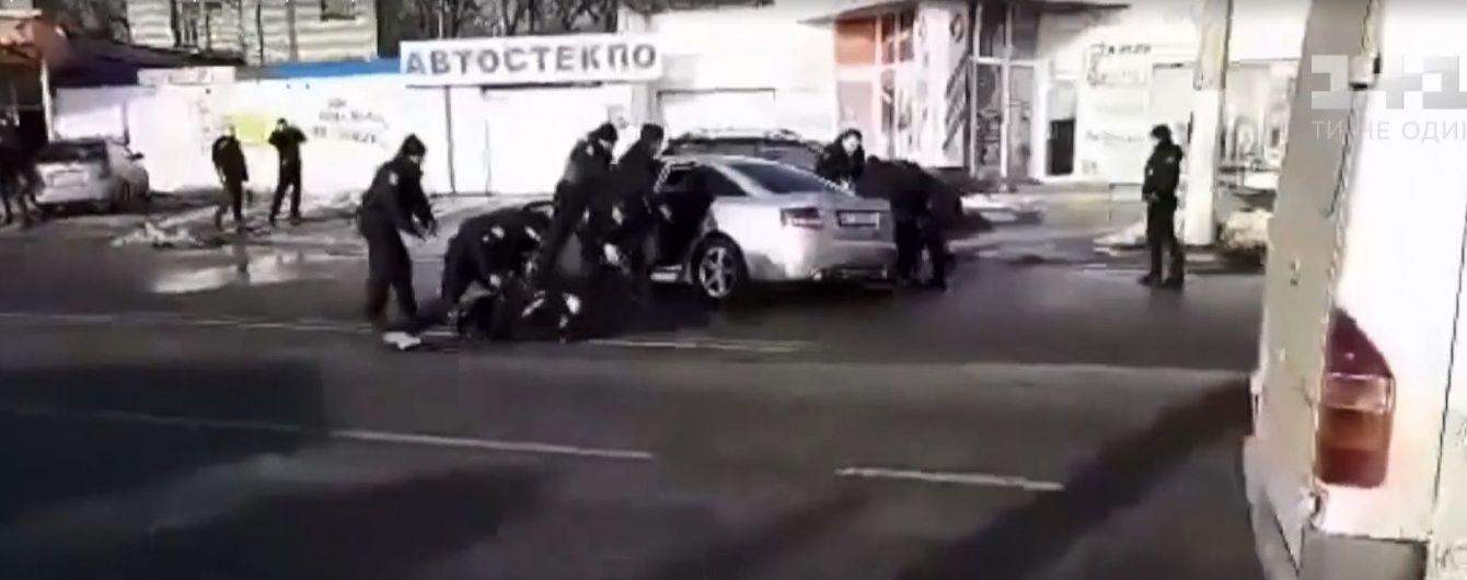 Смертельное ДТП со стрельбой в Днепре: прохожие падали на землю при звуках выстрелов
