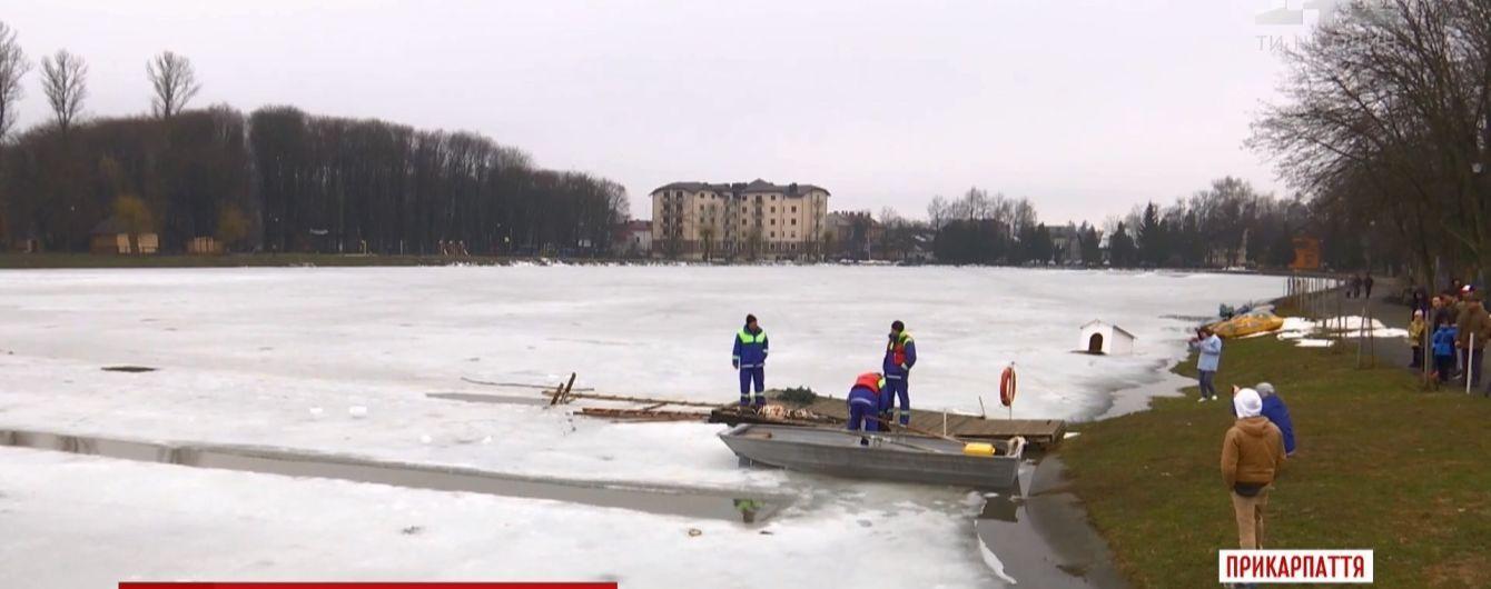 Українець проплив 61 метр під кригою і встановив новий рекорд