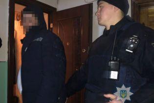 В Одесі п'яний як чіп чоловік стріляв по перехожих та автівках з квартири