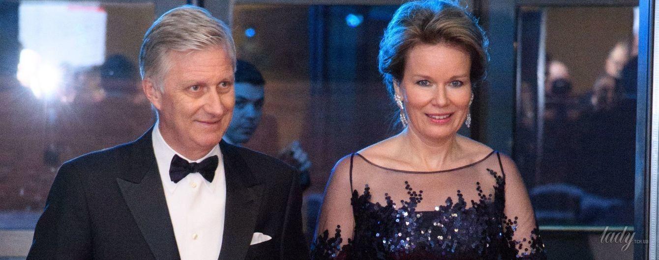 В прозрачном платье с пайетками: королева Матильда продемонстрировала вечерний образ