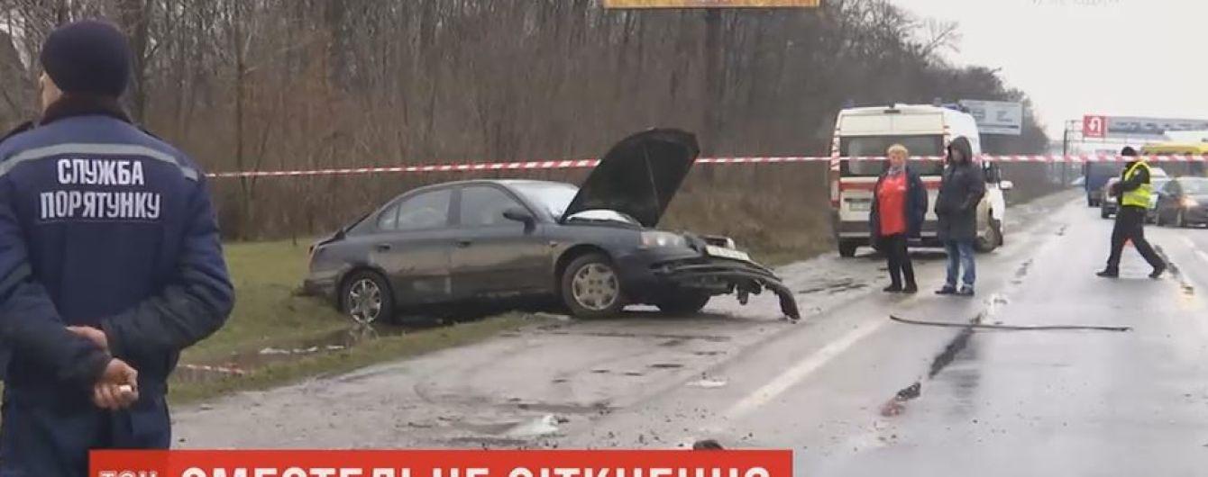 Четверо людей загинуло в аварії під Чернівцями