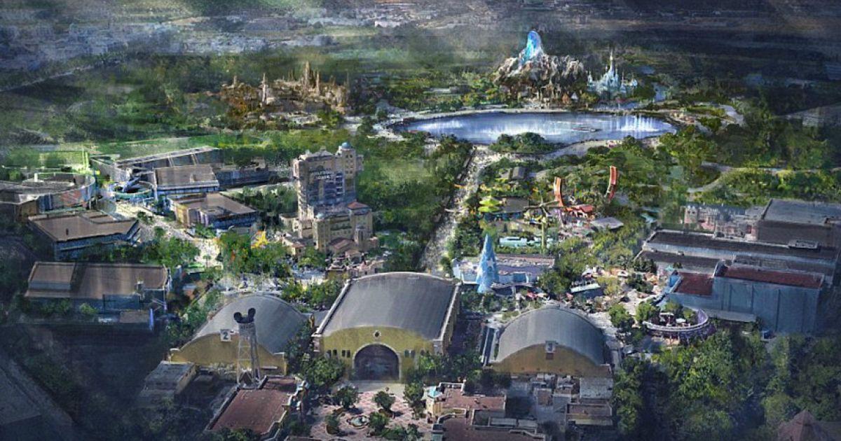 """Появилось видео, как строят футуристический парк """"Звездных войн"""" в Диснейленде"""