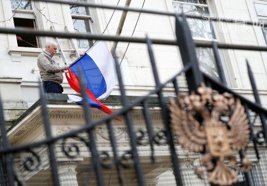 """МЗС Росії назвало висилку 23 російських дипломатів із Великої Британії """"грубою провокацією"""""""