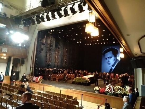Зірку радянського кіно Олега Табакова поховали у Москві