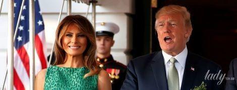 Мелания Трамп подчеркнула фигуру красивым зеленым платьем