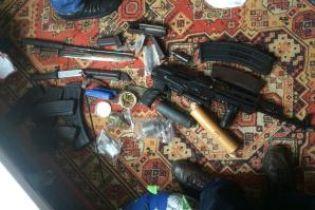 В Одессе задержали банду иностранцев с арсеналом оружия и наркотиками