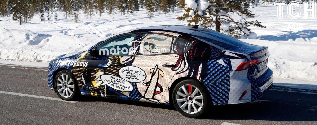 Ford прячет очертания нового Focus под комиксами